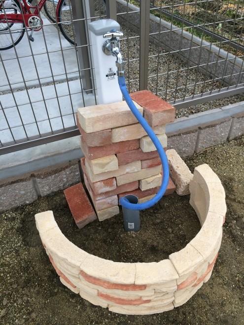 立水栓DIY レンガ仮組み