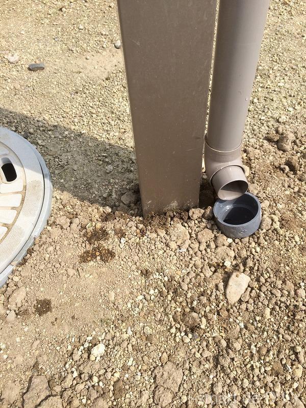 テラスから排水される雨水を雨水桝に入れる 埋め戻し