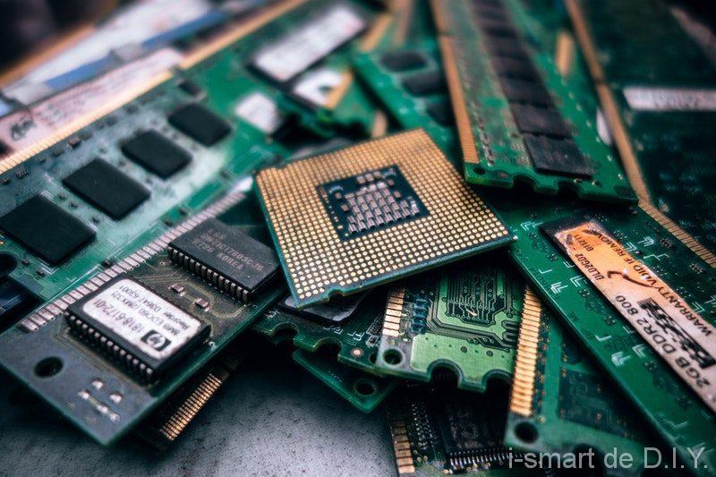 ハードディスク 取り出し パソコン ノート ノートPCからHDDを取り出し分解して廃棄する手順