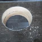 ダイソーのホールソーをレビュー。フリーカウンターに穴を開けてみた。