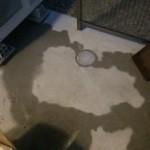 床暖房室外機の周りに水たまりが。。。