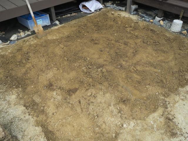 DIY 芝張り 耕す